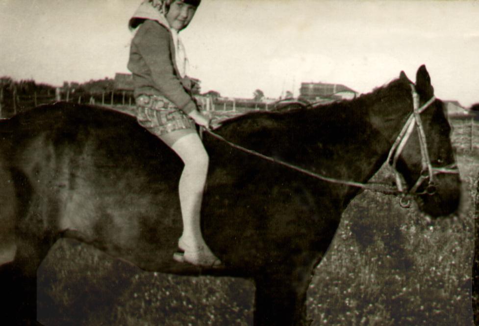 фото 02 - Диляра Енилеева (Барамыкова), 1977-78 гг.