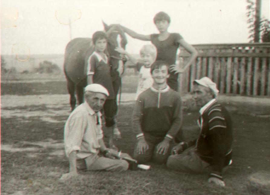 фото 48 - Канеевы Халит и Фарит Изатулловичи, Тимур Канеев с друзьями