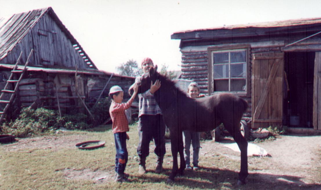 фото 50 - Марат Канеев с сыном Наилем и племянником Радиком, 1999 г.