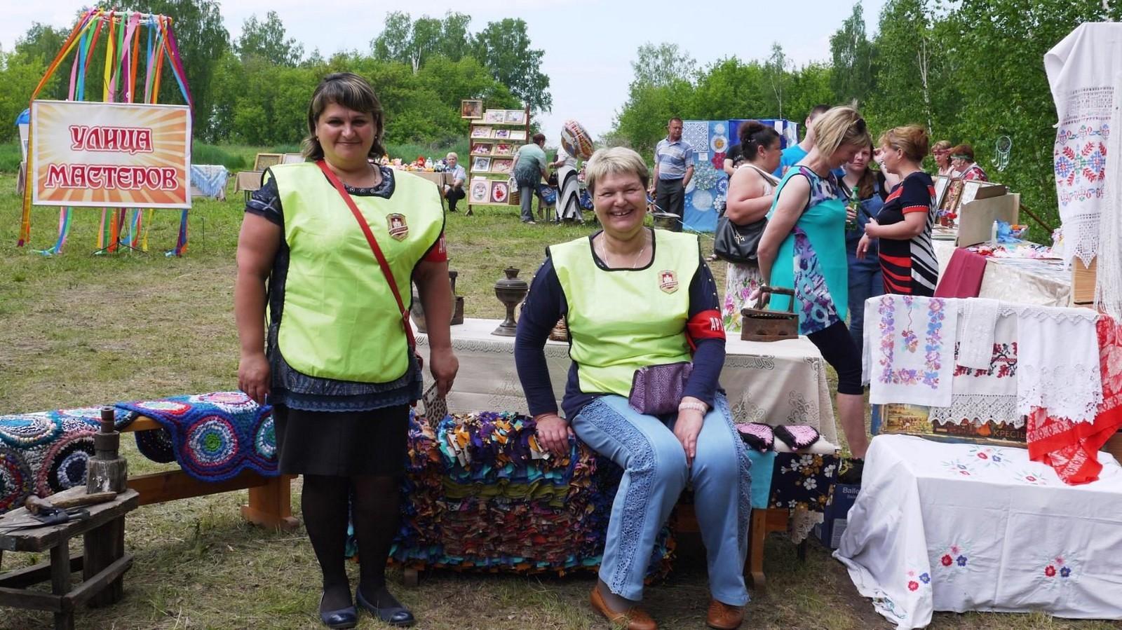 Sabantuy-2016-yarmarka-umel'tsev-562-Bastanovo