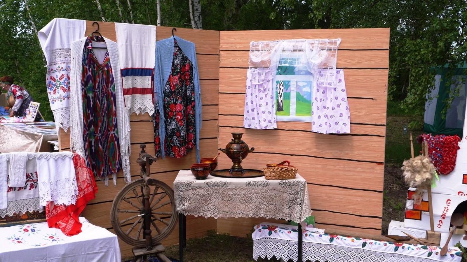 Sabantuy-2016-yarmarka-umel'tsev-565-Bastanovo