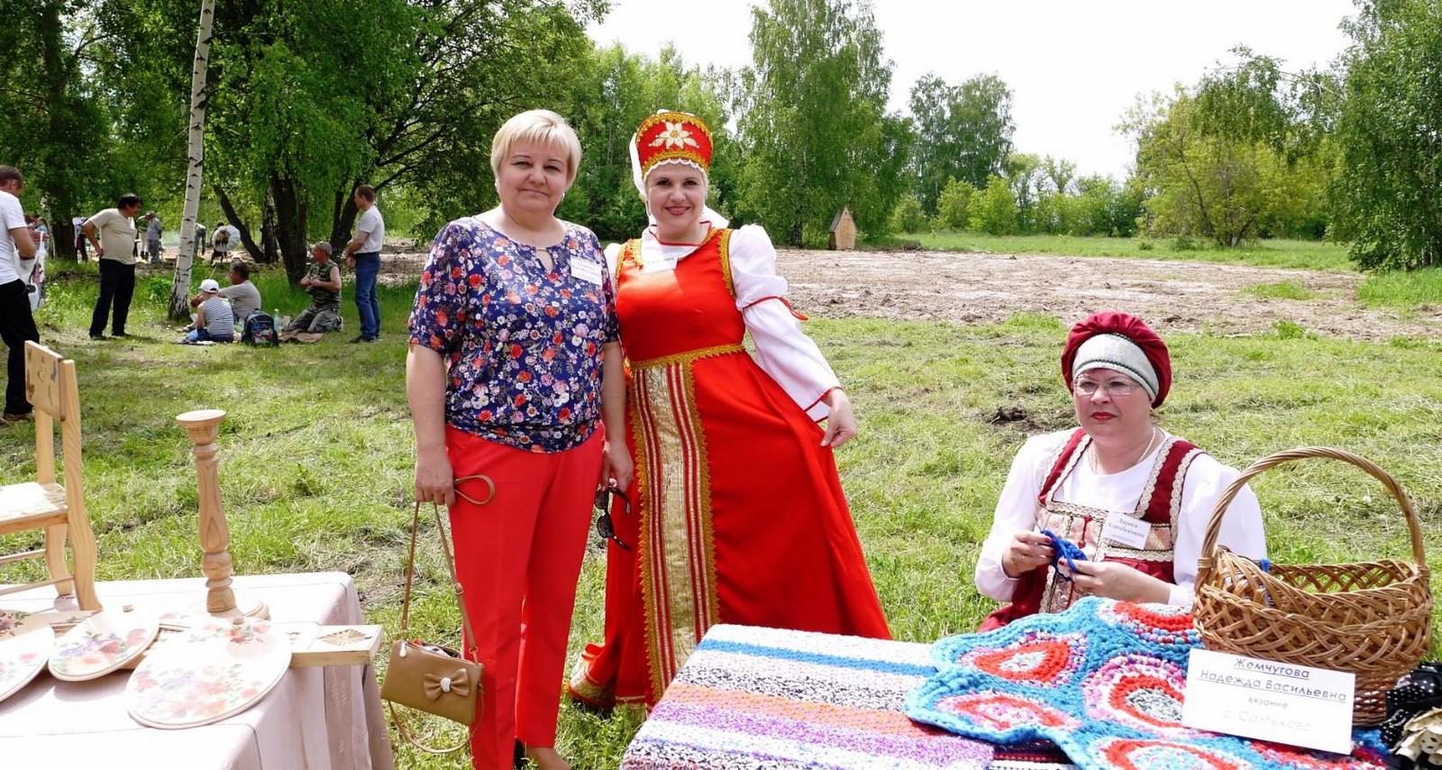 Sabantuy-2016-yarmarka-umel'tsev-579-Bastanovo