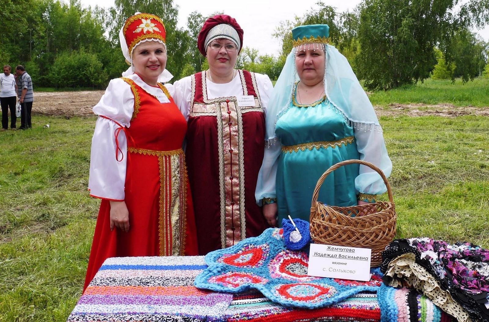 Sabantuy-2016-yarmarka-umel'tsev-588-Bastanovo