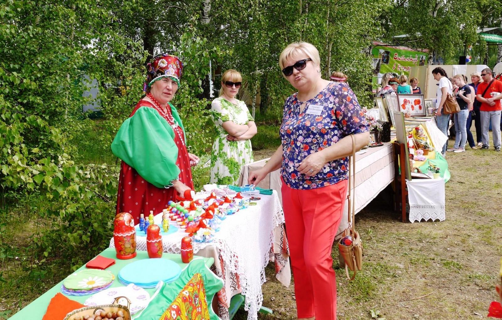 Sabantuy-2016-yarmarka-umel'tsev-589-Bastanovo