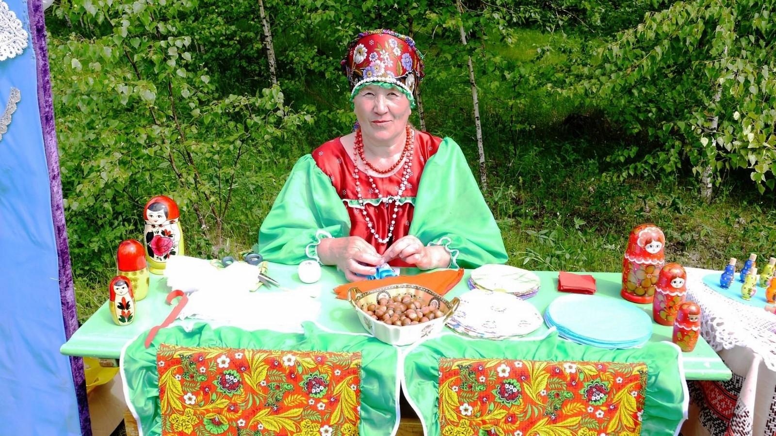 Sabantuy-2016-yarmarka-umel'tsev-598-Bastanovo