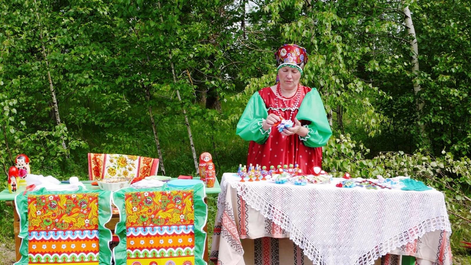 Sabantuy-2016-yarmarka-umel'tsev-604-Bastanovo
