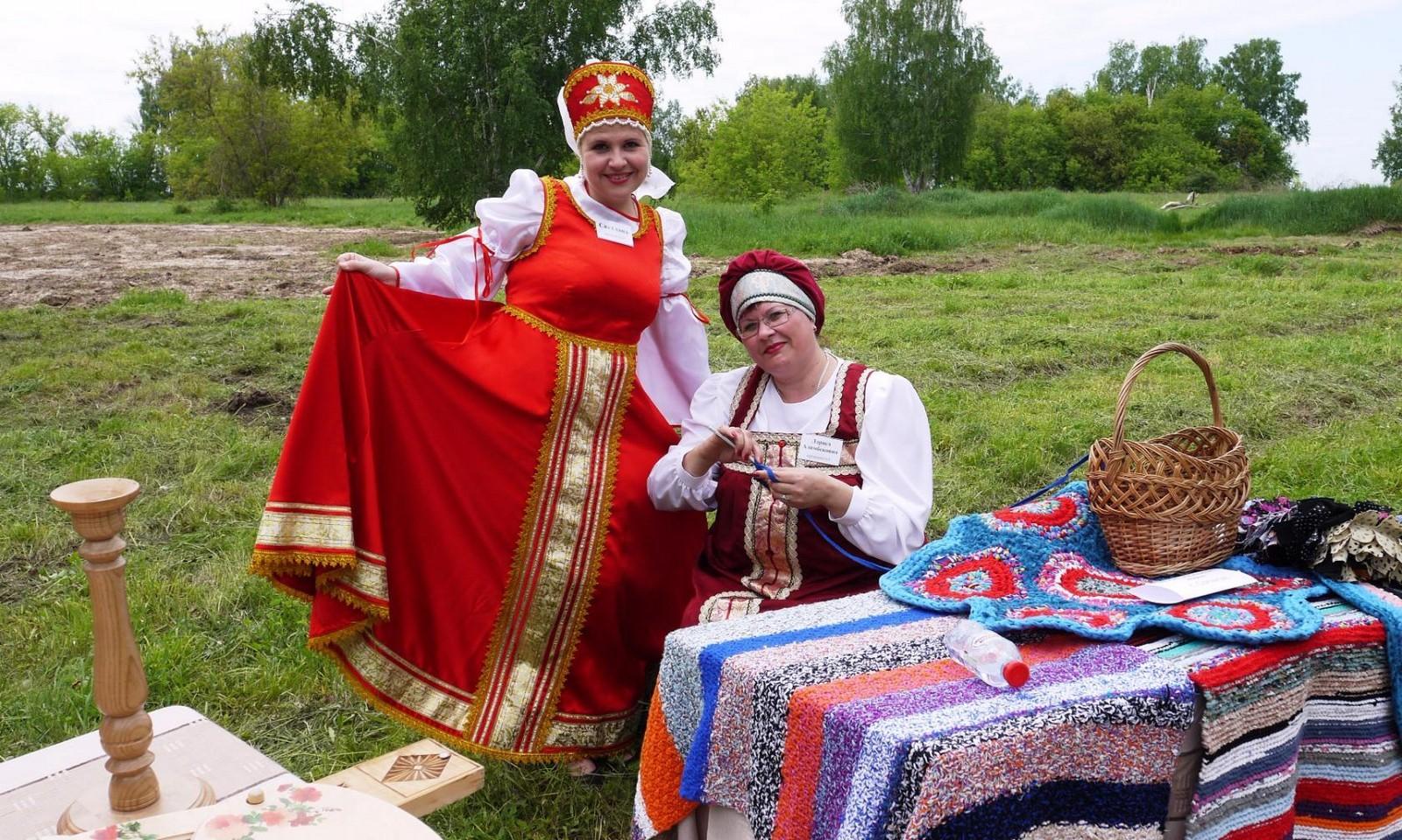 Sabantuy-2016-yarmarka-umel'tsev-615-Bastanovo