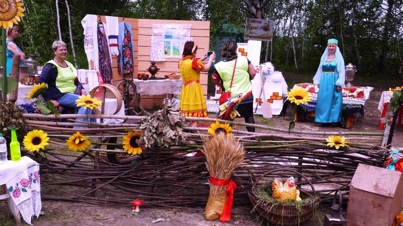 Sabantuy-2016-yarmarka-umel'tsev-618-Bastanovo